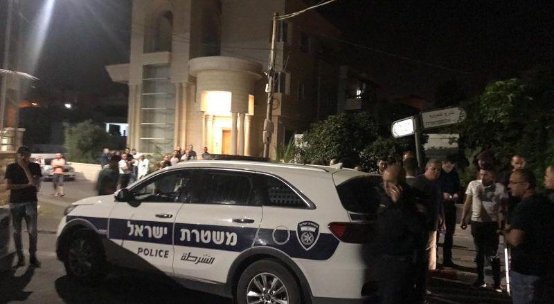 سخنين: القاء قنبلة على محلات تجارية قرب منزل المرشح صفوت أبو ريا