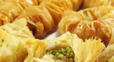 بقلاوة بالقرفة من المطبخ اللبناني