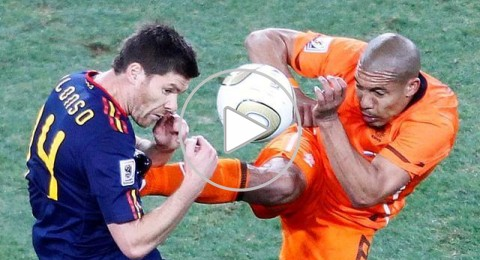 أعنف مشاجرات وإصابات ملاعب كرة القدم