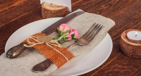 افكار لديكور المائدة من وحي الاجواء الشتوية