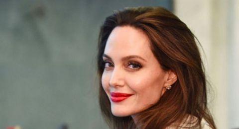 1 مليون دولار من أنجلينا جولي لدعم الأطفال المتضررين من كورونا