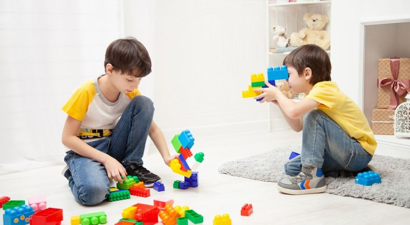 لعبة المعجون والفقاعات وإعادة تدوير الأوراق: إصنعيها مع أطفالك خلال الحجر المنزلي!