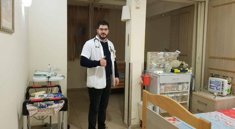 الطبيب هلال نصار: ابقوا احذيتكم خارج البيت... نخشى انهيار الجهاز الصحي