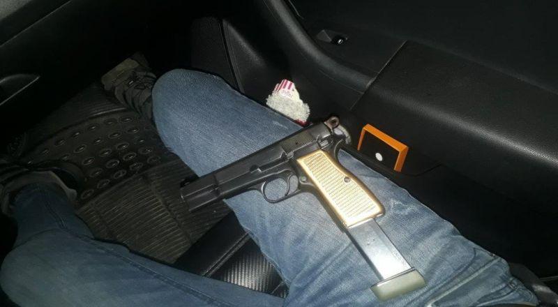 اتهام فحماوي بحيازة السلاح بالإعتماد على صور من هاتفه