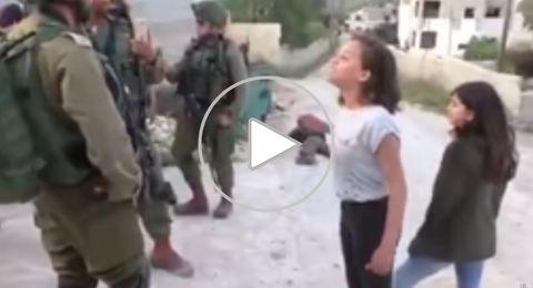 أصغر مراسلة في العالم فلسطينية، تحرج الجنود الإسرائيليين