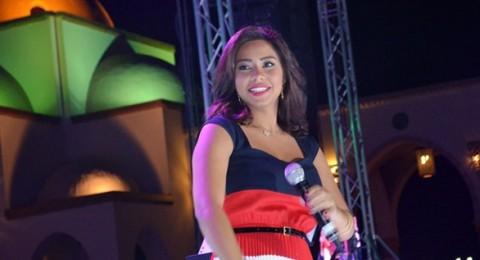 شيرين ترتدي ألوان علم مصر وترقص على 'بشرة خير'