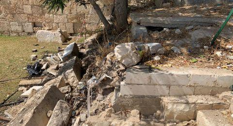 القدس : انهيار أجزاء من جدار مقبرة باب الرحمة