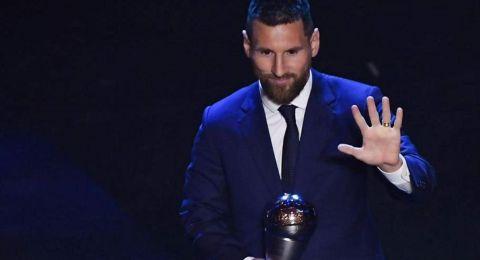 أوّل تعليق لميسي بعد تتويجه بجائزة أفضل لاعب في العالم!