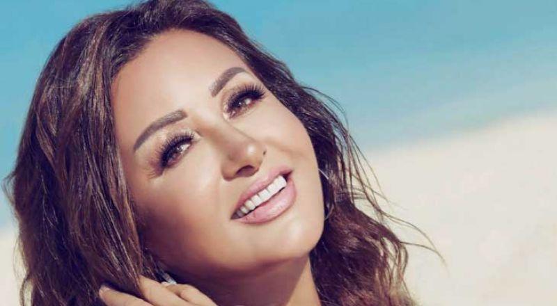 لطيفة تطرح أغنيات عدة باللهجة المصرية في ألبومها الجديد