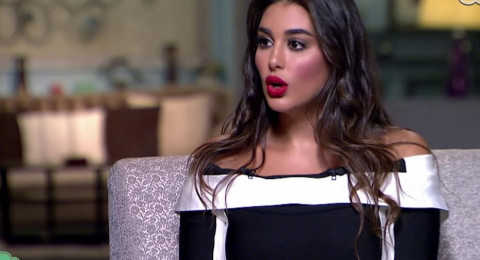 بعد أن أشعلت المواقع بأنوثتها… ياسمين صبري تضرب من جديد وهذه المرة بخبر طلاقها!