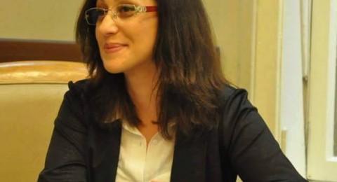 بلدية حيفا تُكرم سامية عرموش بجائزة المُستخدم المُتميّز