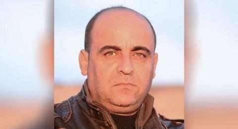 محكمة أريحا تفرج عن الناشط نزار بنات