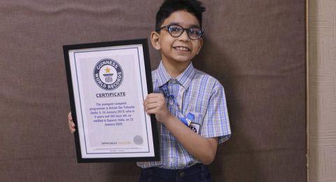 طفل هندي أصغر مبرمج في العالم