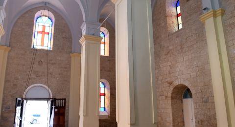الاب د.سيمون خوري يُنجز ترميم كنيسة الكاثوليك في كفركنا
