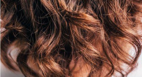 ما الفرق بين تكسر الشعر وتساقط الشعر؟