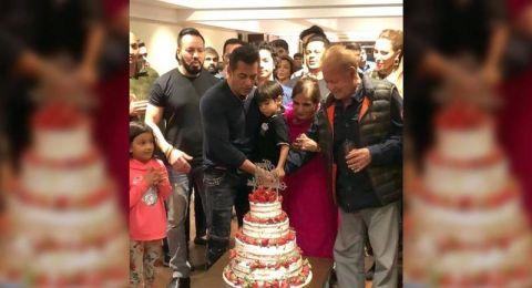 سلمان خان يحتفل بذكرى ميلاده الـ54