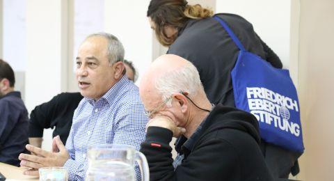 الشباب العرب في إسرائيل يولون أهمية للقيم المدنية واللبرالية أكثر من نظراؤهم اليهود وفي العالم العربيّ