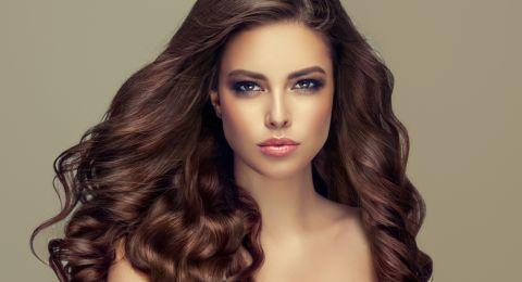 المكونات الطبيعية أسهل طريقة لتنعيم الشعر