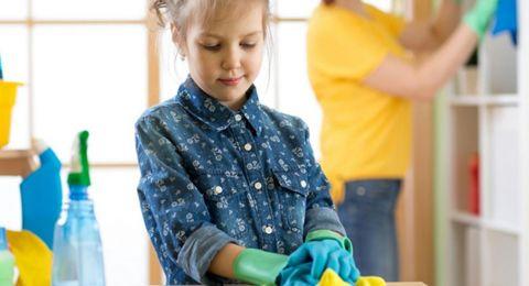 منتجات التنظيف المنزلية تعرّض طفلك للإصابة بالربو!