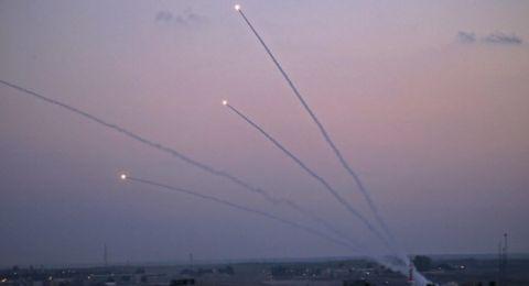 اسرائيل تقصف قطاع غزة ردًا على صواريخ المقاومة .. وتوتر شديد