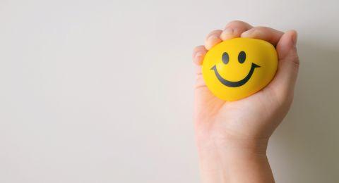 دولة عربية في المرتبة الأولى عالمياً لسعادة الزبائن