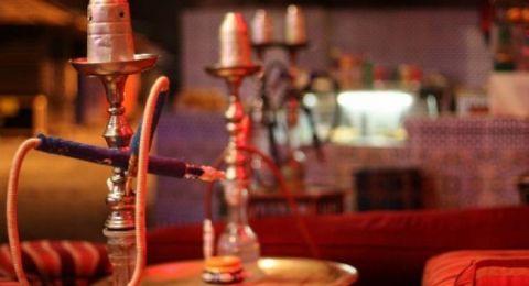 توجيه الاتهام لأم سعودية صورت طفلتها تدخن