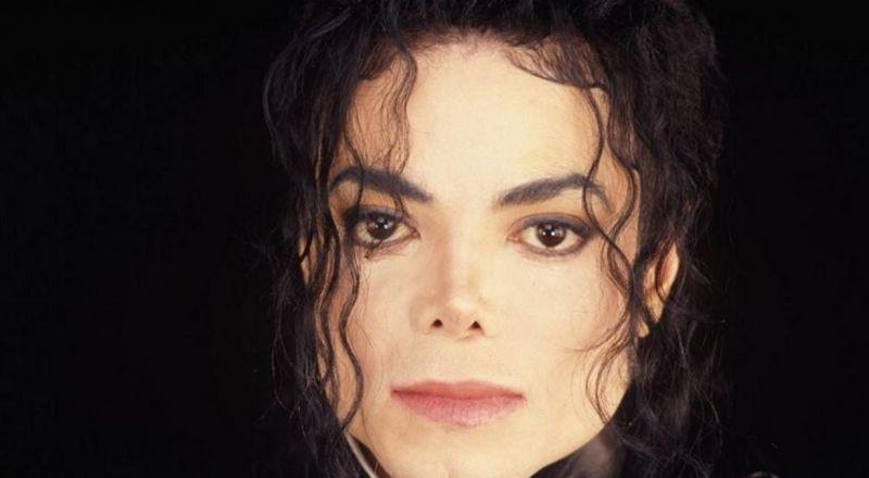 بعد 11 عاماً على وفاته.. أسرار جديدة عن تشريح جثة مايكل جاكسون