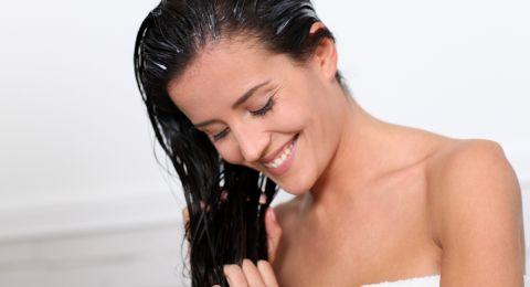 مكونات طبيعية تعالج جميع مشاكل شعرك قبل الزفاف
