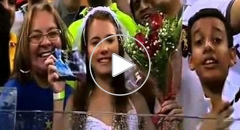 """برازيلية"""" ترتدي فستان العروس وتطلب الزواج من بالوتيلي"""