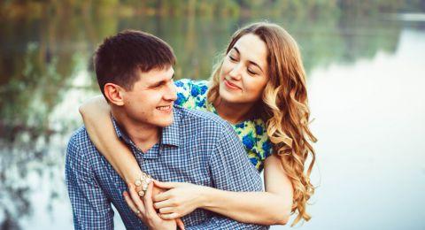 السرطان أبرزها.. أبراج رومانسية لا تتخلى عن العثور على الحب!