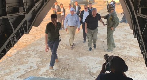 نتنياهو يصطحب بولتون بجولة في غور الأردن ويدعوه لزيارة الجولان