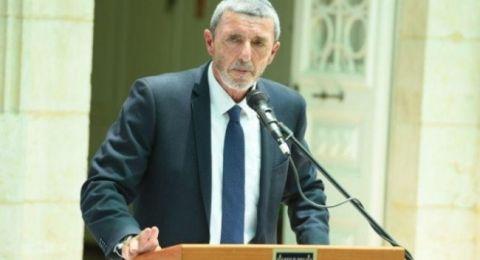 وزير التعليم الإسرائيلي يدرس فرض رفع علم إسرائيل في المدارس العربية