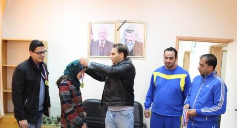 الجامعة العربية الأمريكية تكرم الطلبة الفائزين في بطولة الجامعة لكرة الطاولة