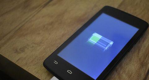 اذا كان هاتفك الذكي قديما.. اليك طريقة لحفظ طاقة البطارية