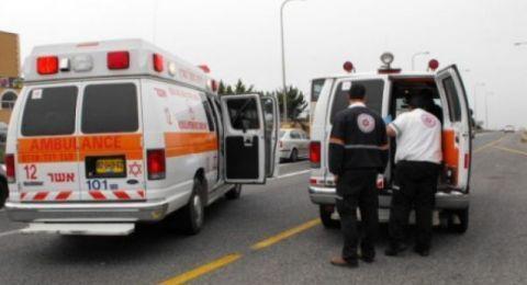 إصابة شاب بانقلاب شاحنة قرب مدخل اكسال