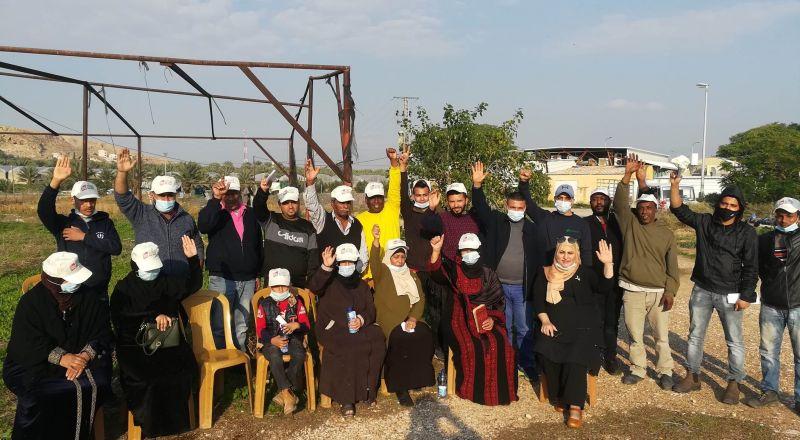 العمال الذين يتقاضون 12 شيكل للساعة تنظموا في النقابة للمطالبة بحقوقهم ويواجهون الملاحقة والتهديد