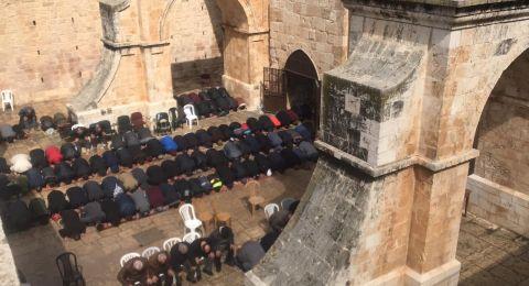 القدس: 30 الف يؤدون