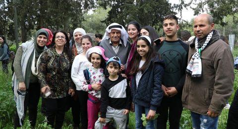 العشرات يشاركون في جولة جمعية الدفاع عن حقوق المهجرين في قرية عمواس المهجرة