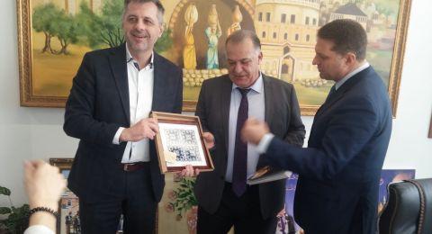 رؤساء بلديات من أنحاء العالم يزورون  بلدية الناصرة