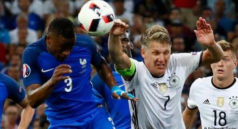 تعديلات مؤثرة على قانون لمسة اليد في كرة القدم