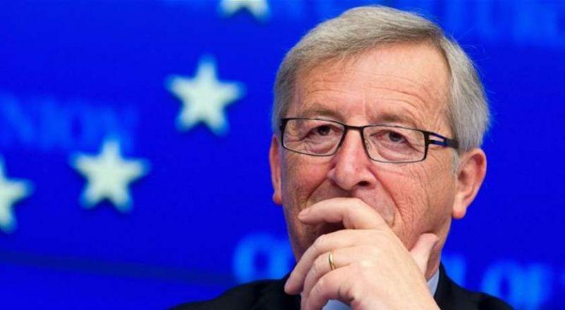 آلووو جون!! زوجتك معك!!  موقف محرج لرئيس المفوضية الأوروبية