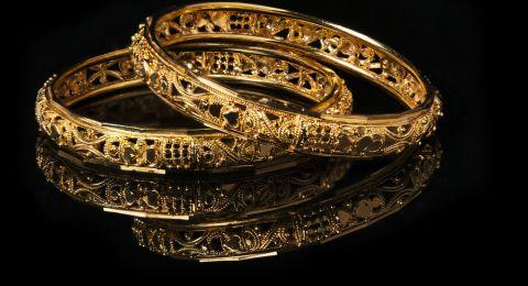 سعر الذهب يرتفع وسط مخاوف من ركود أميركي