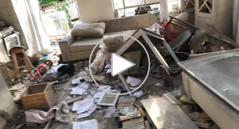 إصابة 7 إسرائيليين في سقوط صاروخ على منزلين في الشارون
