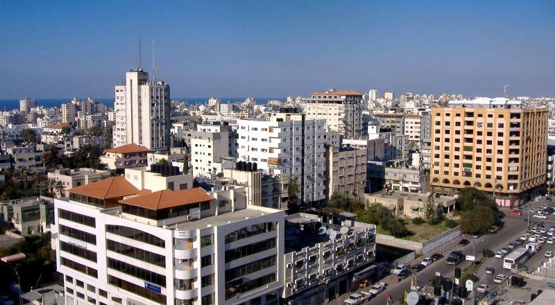 غارات إسرائيلية عنيفة على مواقع لحماس في غزة