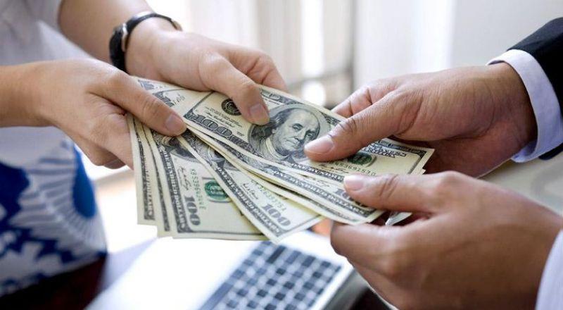 انتقال القطاع التجاري من القروض المصرفية إلى قروض المستثمرين المؤسّساتيين