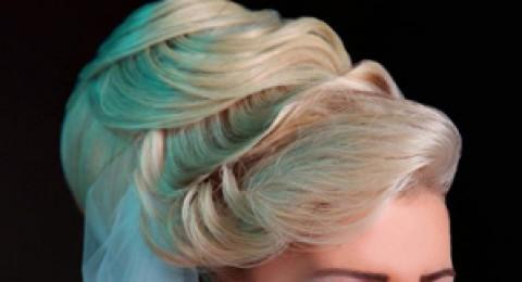 11 تسريحة شعر للعروس... مُوقّعة بالرفعة الضخمة!