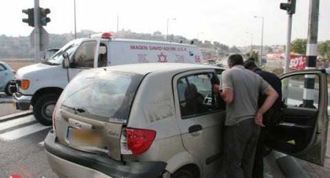 إصابة إمرأة بحادث طرق عند مفرق كفرقرع