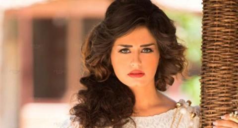 منة فضالي تعتذر لجمهورها بسبب مرضها