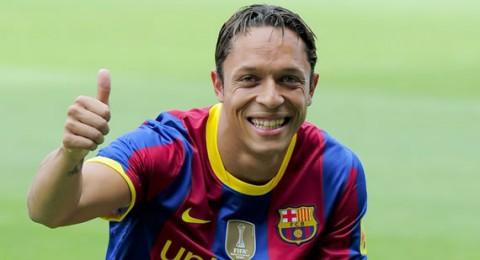 بعد مشكلة القلب.. أدريانو جاهز للمشاركة مع برشلونة