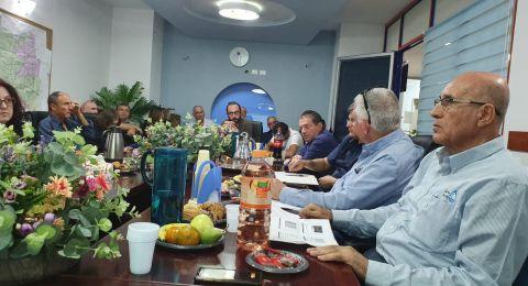جلسة عمل مشتركة بشأن تصريف العكر تجمع بين رئيس سلطة المياه القطرية ومياه الجليل